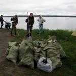 Уборка мусора на Монастырском наволоке